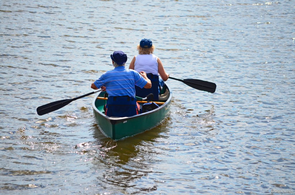 couple canoeing together